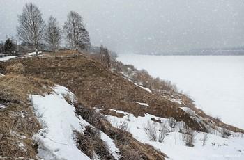 снег апреля. 2020 / music: Oystein Sevag - Hanging Gardens https://www.youtube.com/watch?v=UYwtLHoahdU
