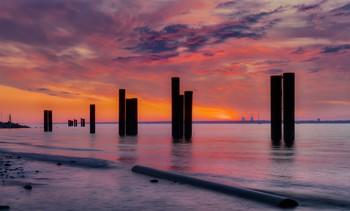 Закат на Финском заливе. / ***