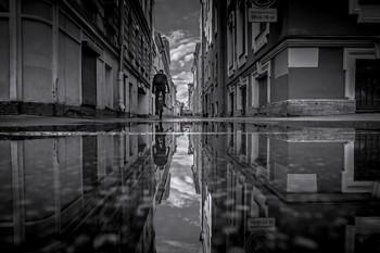 После дождя. / Улица Репина.5,6 метров в ширину.