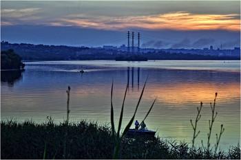 Закат над Днепром... / ...дымы над Победой
