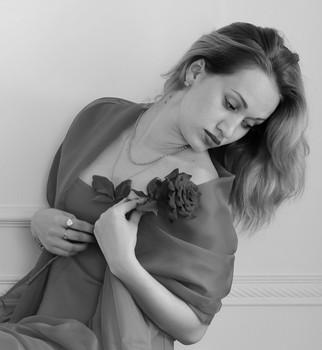 """Чёрная роза / Из серии""""Девушки цветы"""""""