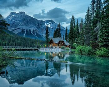 На озере Эмеральд / Канада