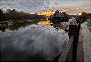 Самая большая протока яхт-клуба / Закатная сюита. Снимал на смартфон Samsung M30s