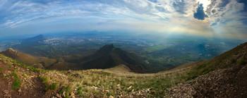 Весенний мир в вершины / Вид с вершины горы Бештау, Кавказские Минеральные Воды