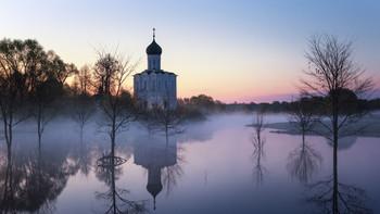 Утро в Боголюбово / Храм Покрова на Нерли (12 век)
