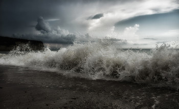 Приближение циклона... / ..а ещё несколько минут назад было безоблачно..