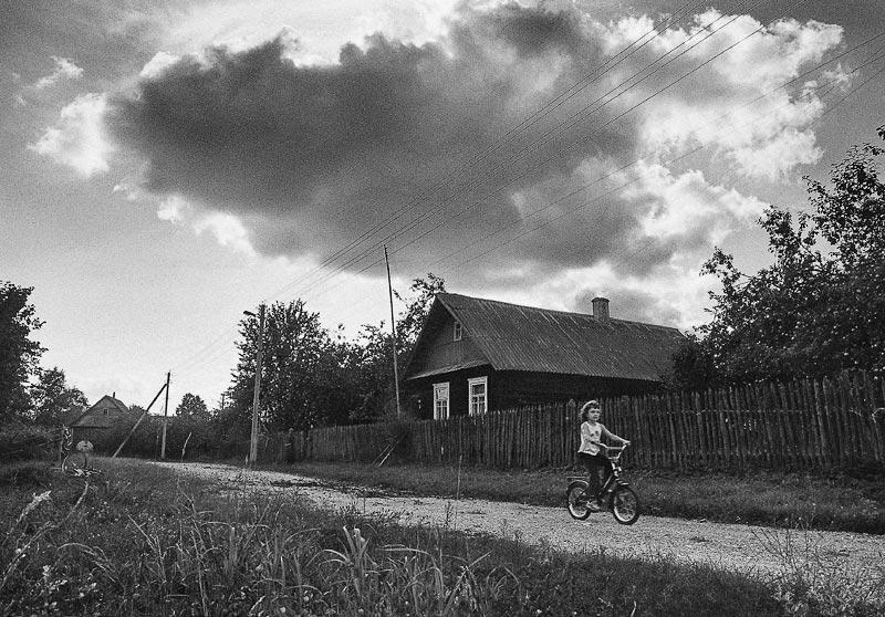 Картинки села черно белые