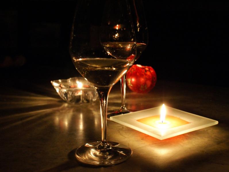 Картинки бокал вина свечи нажимает
