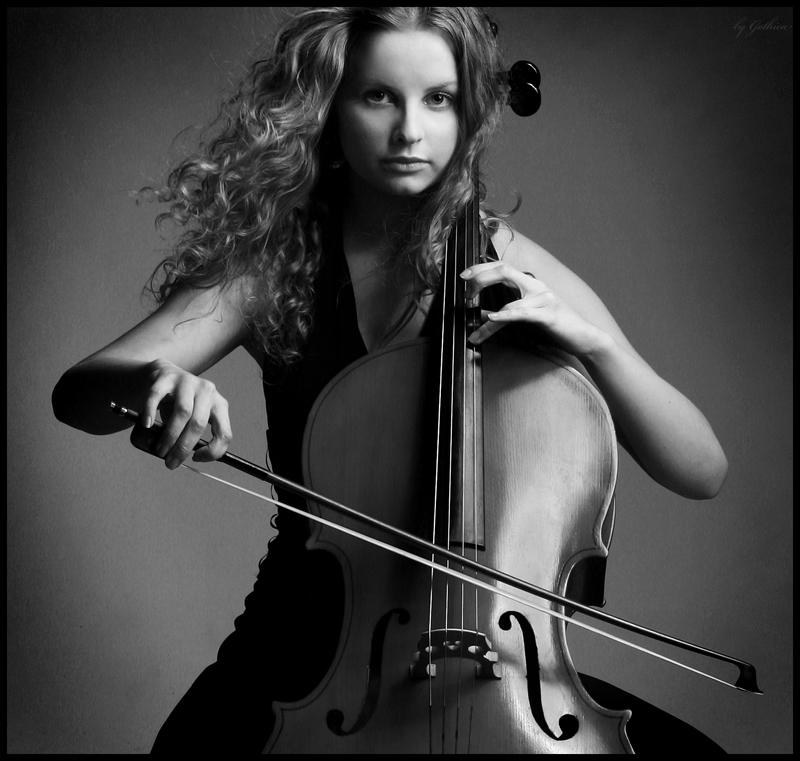 новые красивая фотосессия с виолончелью запускает процесс