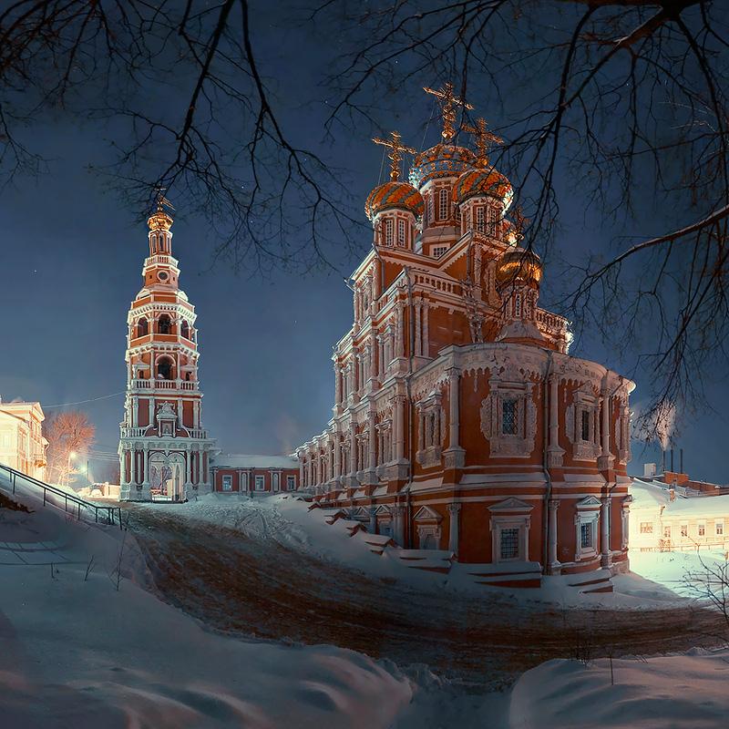 Рождественская и Строгоновская церкви