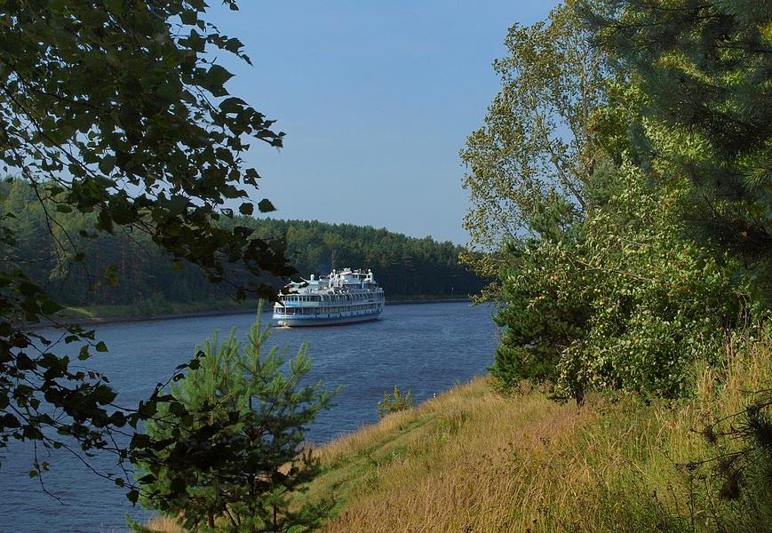 одной фото белый пароход многих