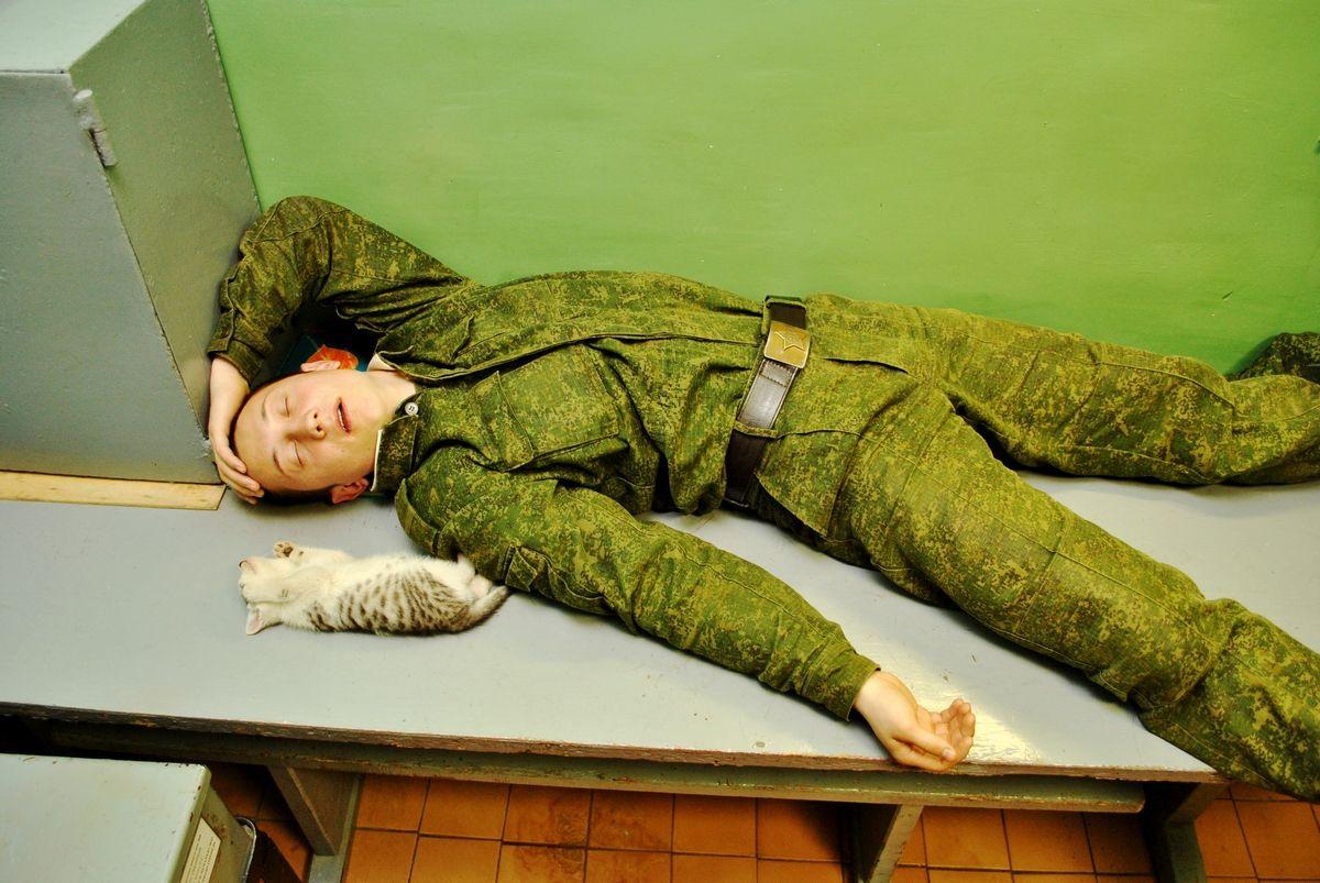 Картинки сын в армии на дежурстве
