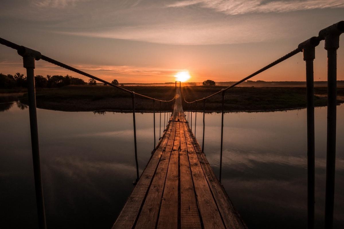 Закат на мосту картинки