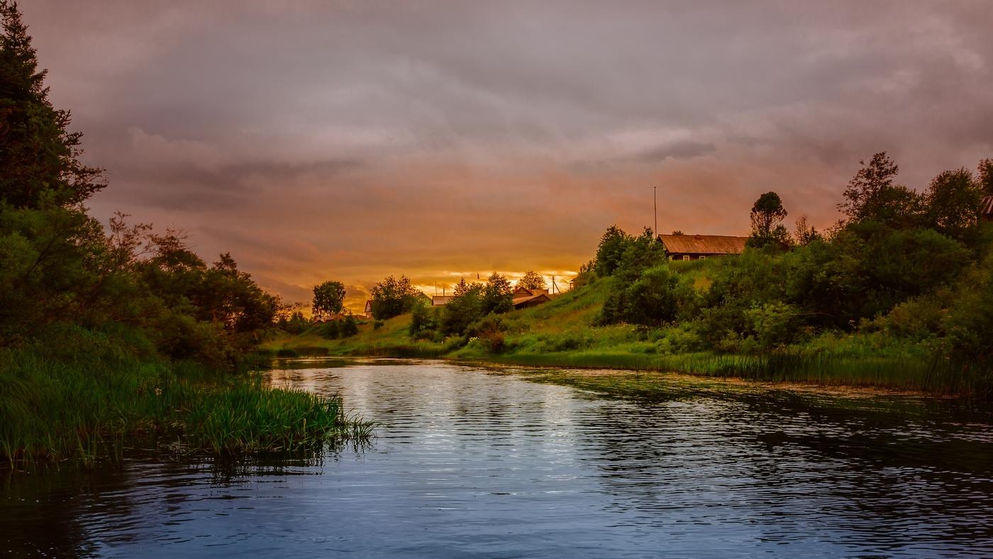 Гифка река в деревне, сохранить картинку