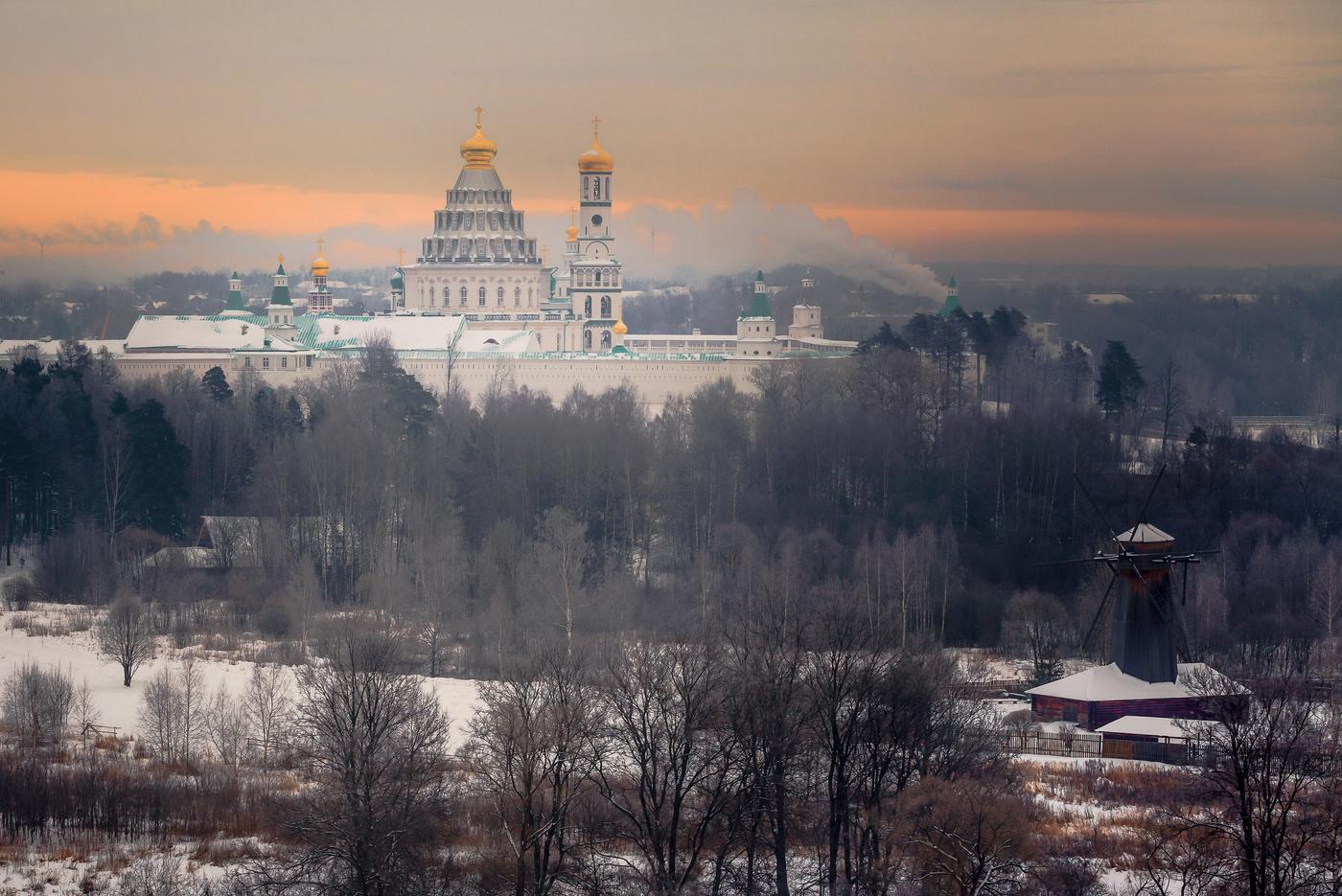 монастырь новый иерусалим подмосковье истра фото взяла руки бокал