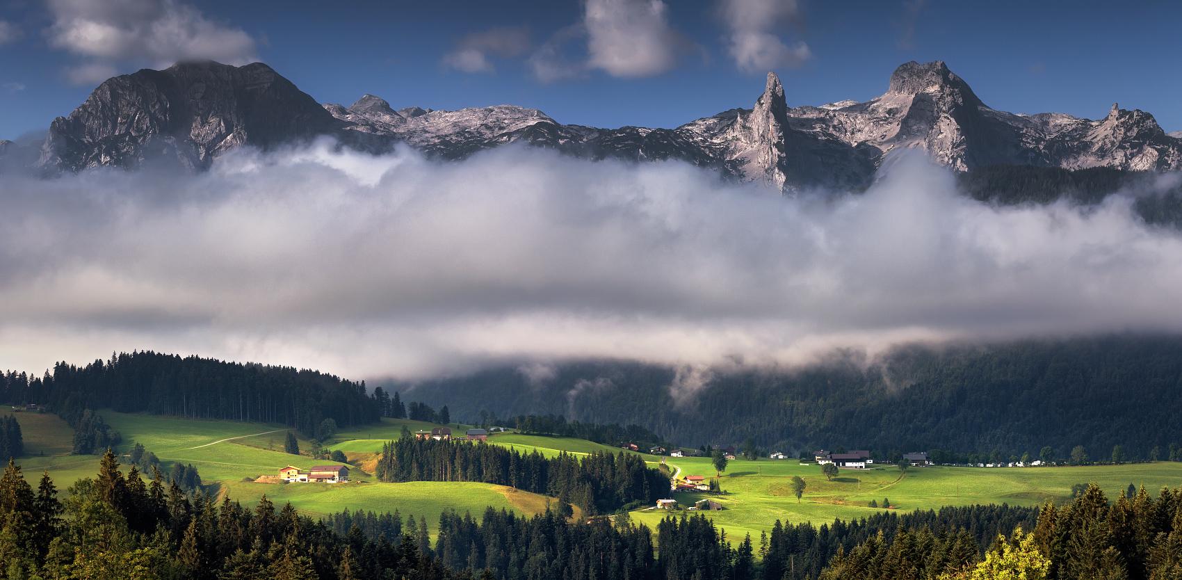 Красота австрийских пейзажей не омрачается редкой облачностью