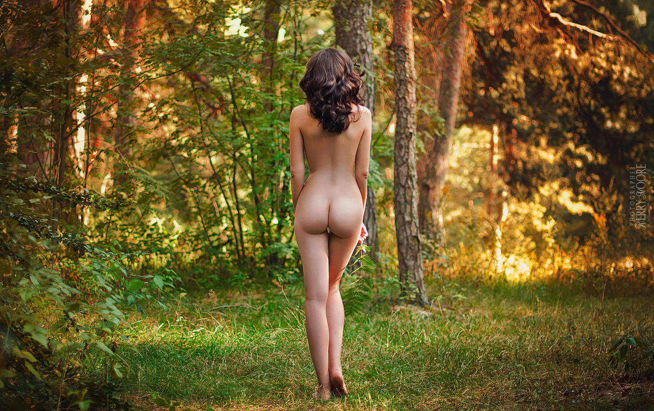 nude-in-the-forest-women-lauren-cohan-fake-naked