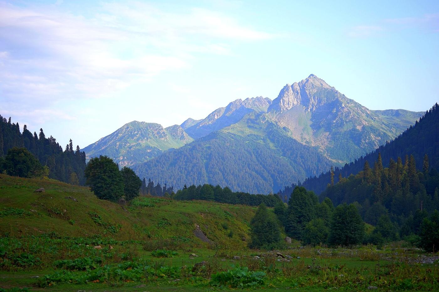 солист гора ауадхара абхазия фото митинг подошел концу