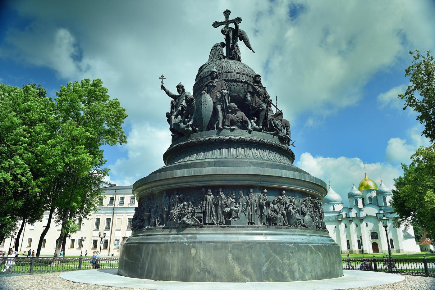 новгород памятник тысячелетие россии картинка могут быть