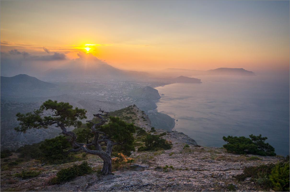 Фото панорама моря крыма на рассвете