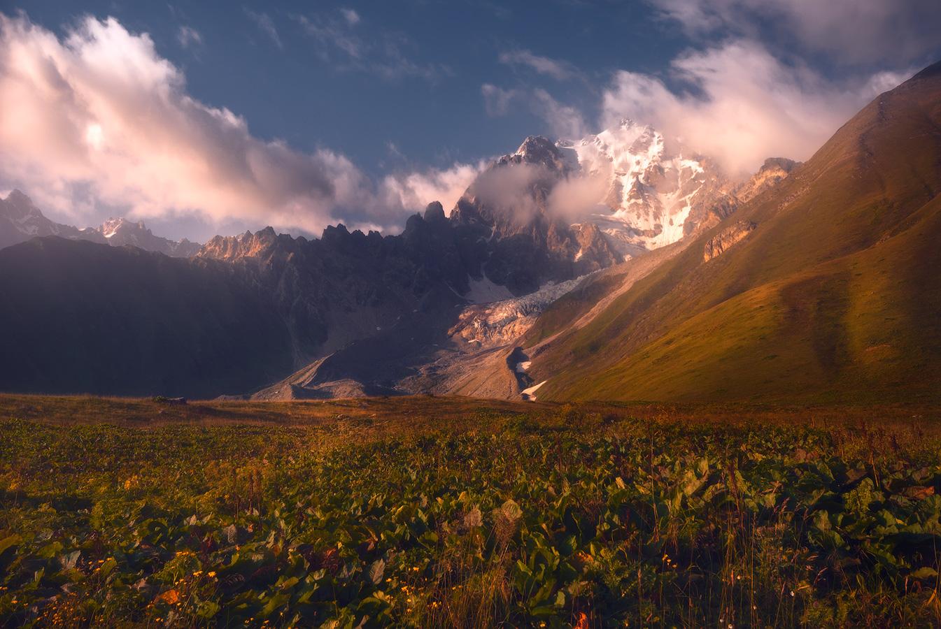 залить вечер в горах картинки мнению исследователей, его