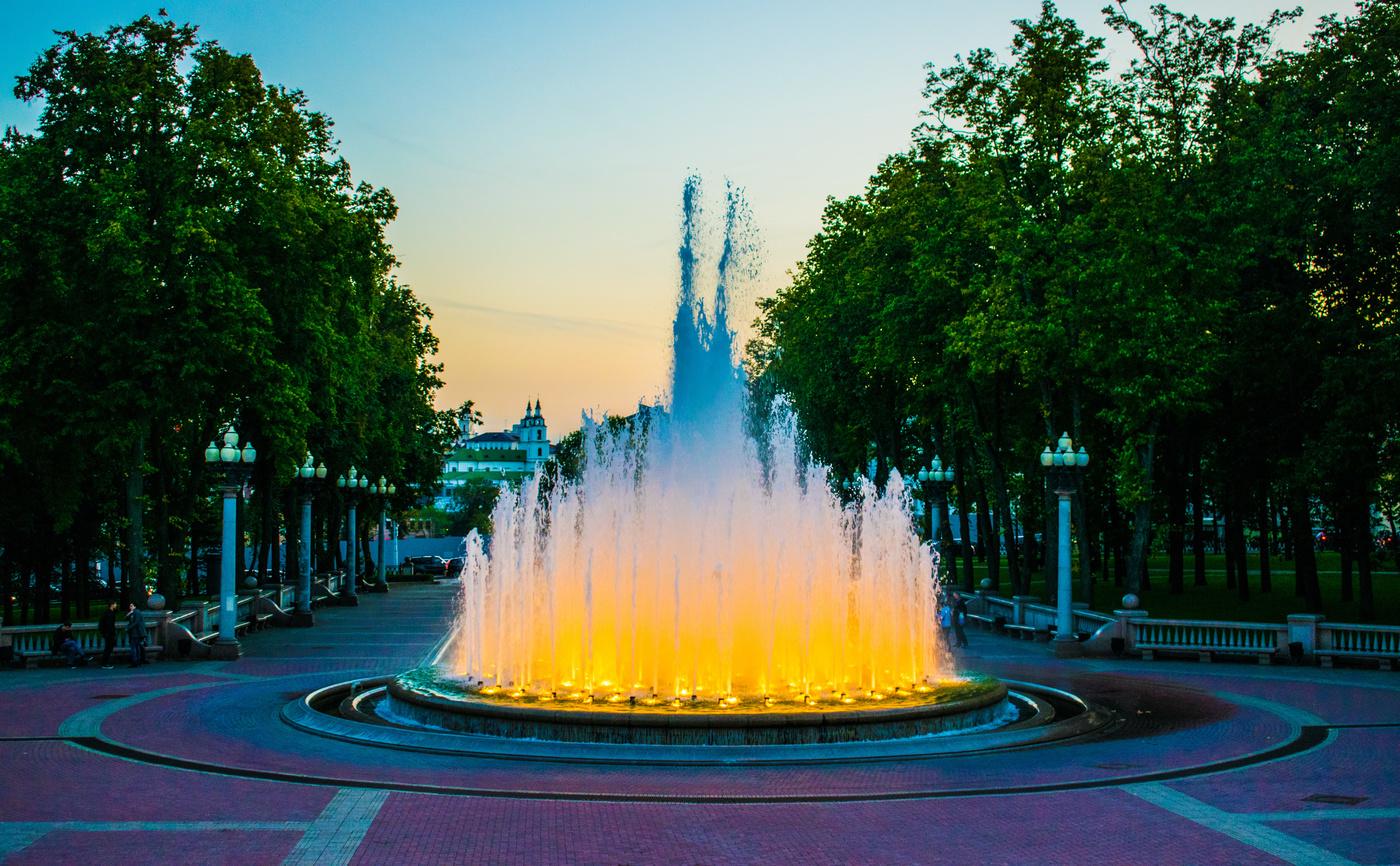 Фонтан картинки на площади