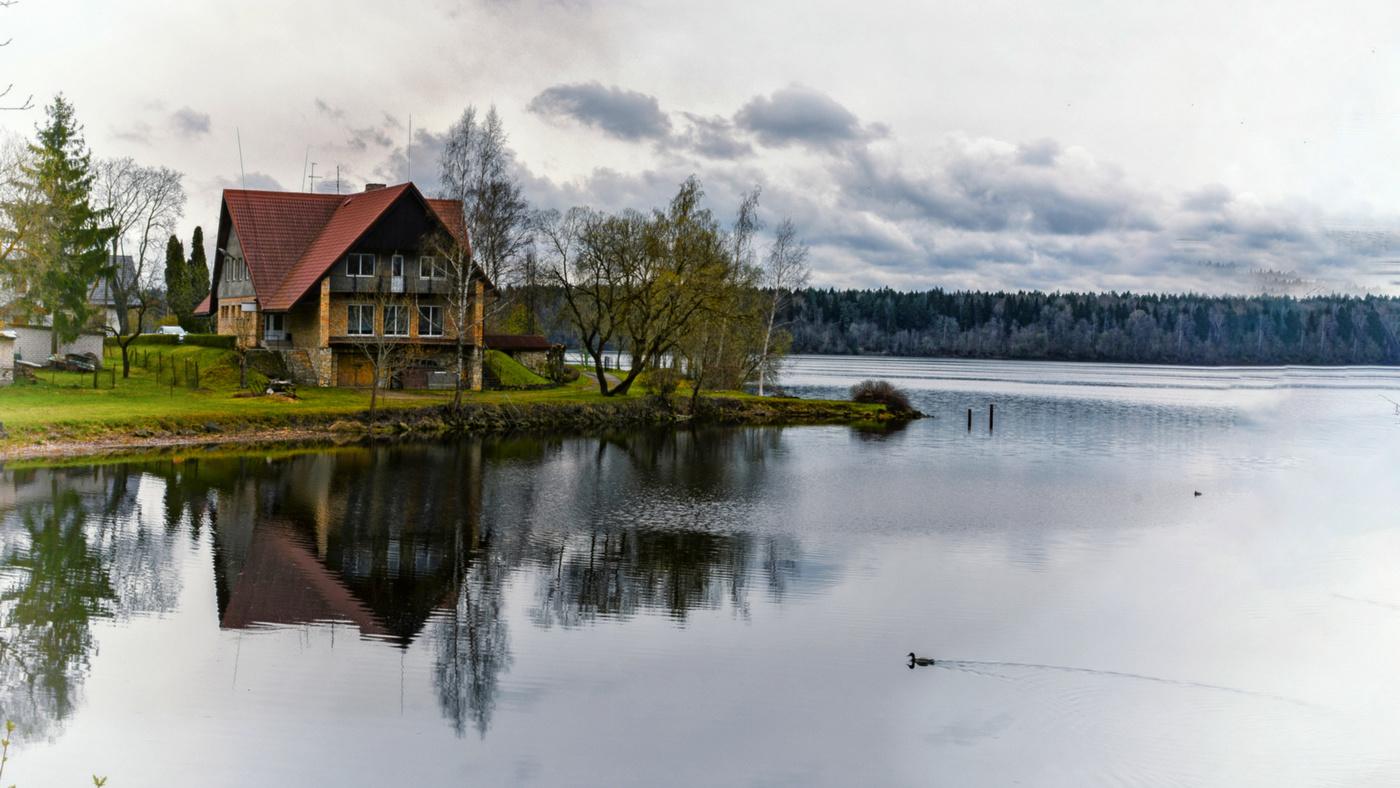 дом на берегу реки смотреть фото оказывается