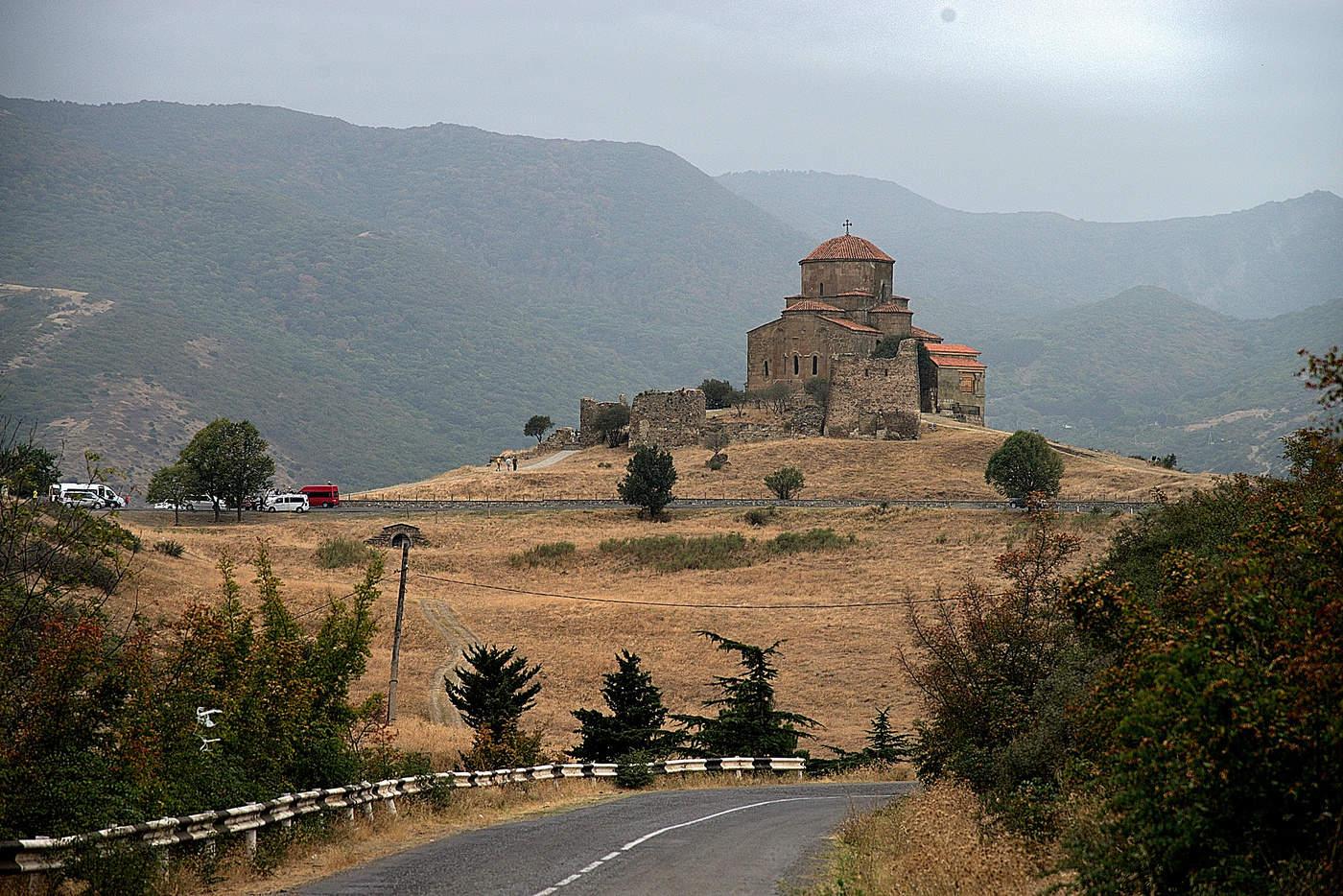 выборе фото монастыря джвари меховой