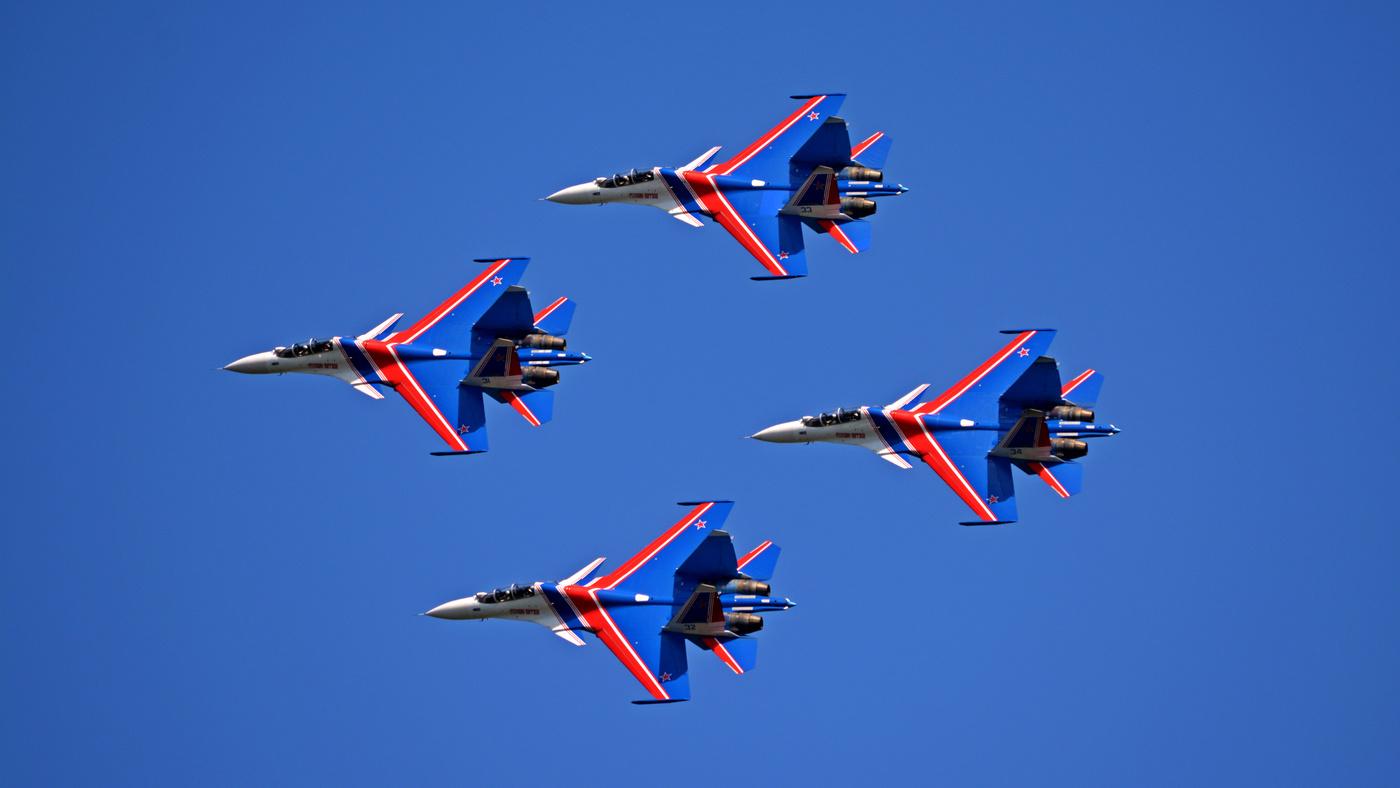 Русские витязи пилотажная группа картинки