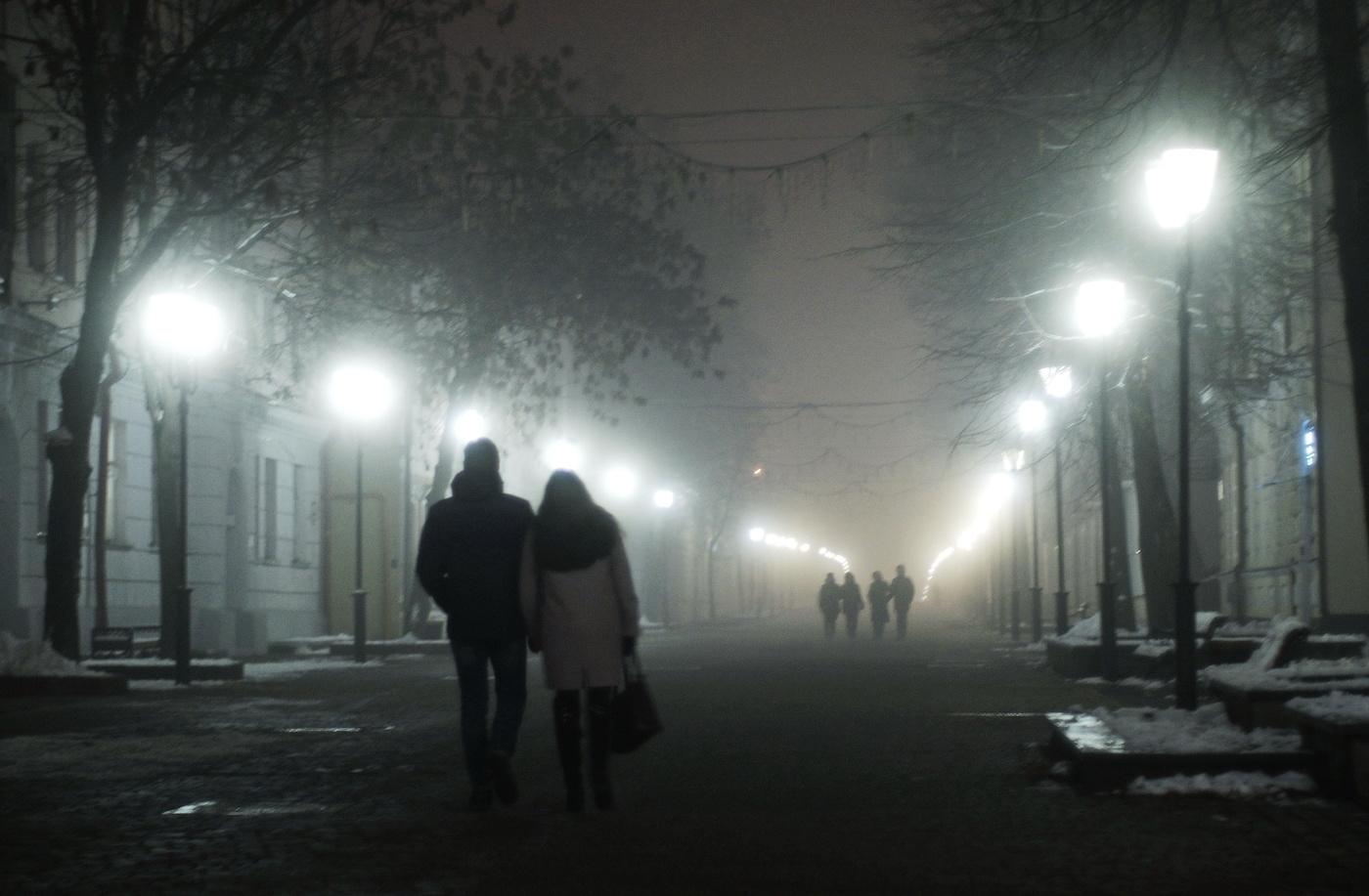 Фото вечерний туман в городе