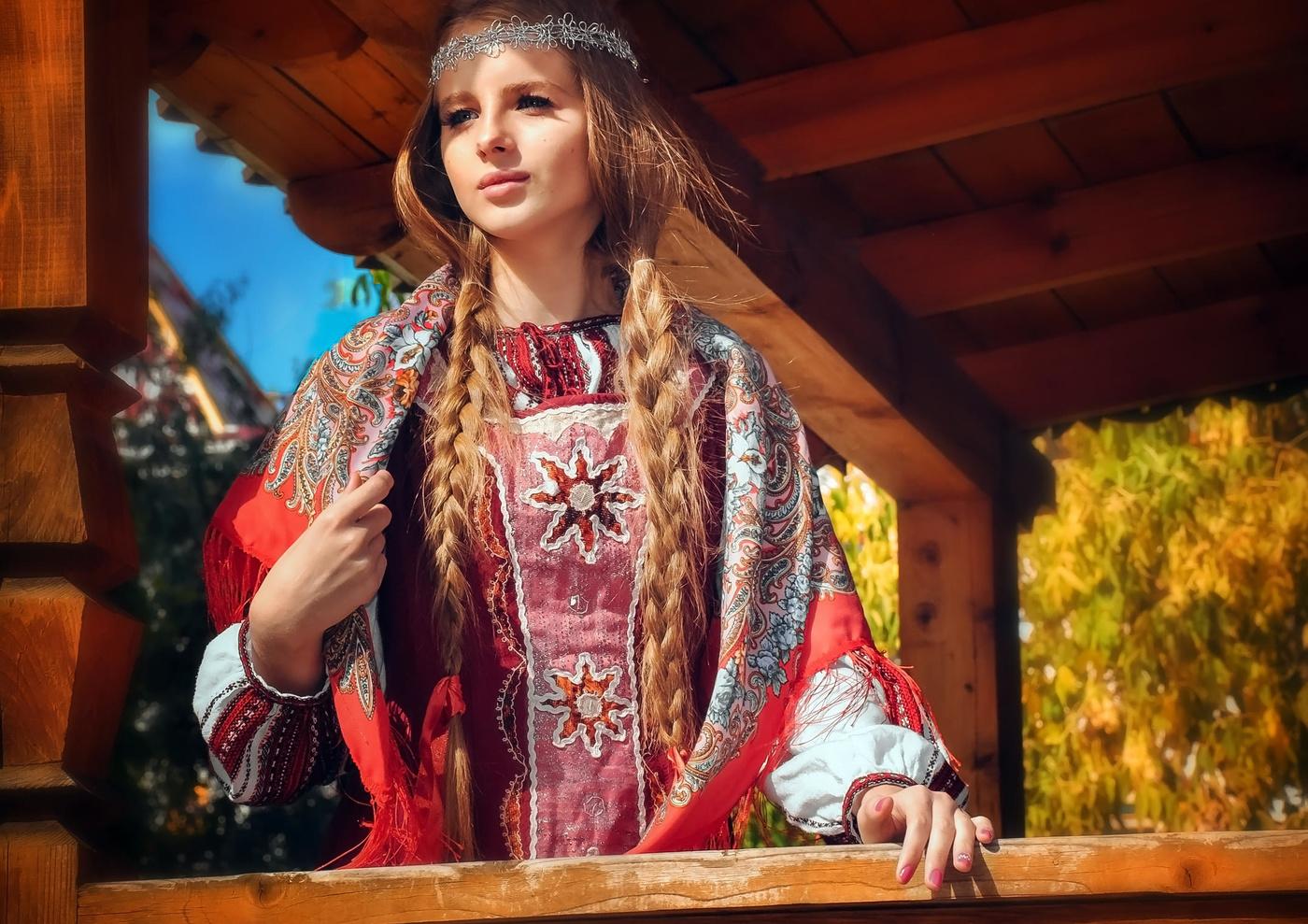 Одевается девушка русская фото, фото отлизать у толстухи