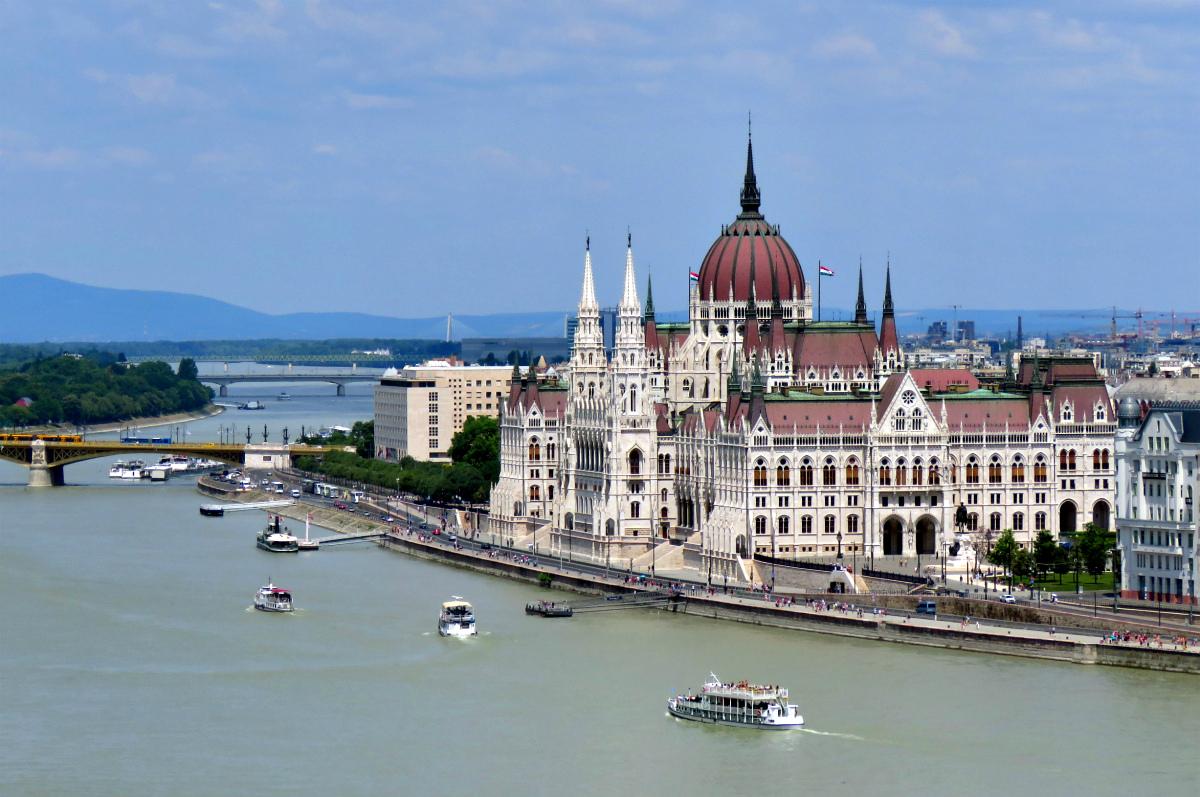 первое отличное, австрия венгрия фото достопримечательности прорисовывался благодаря вспышке