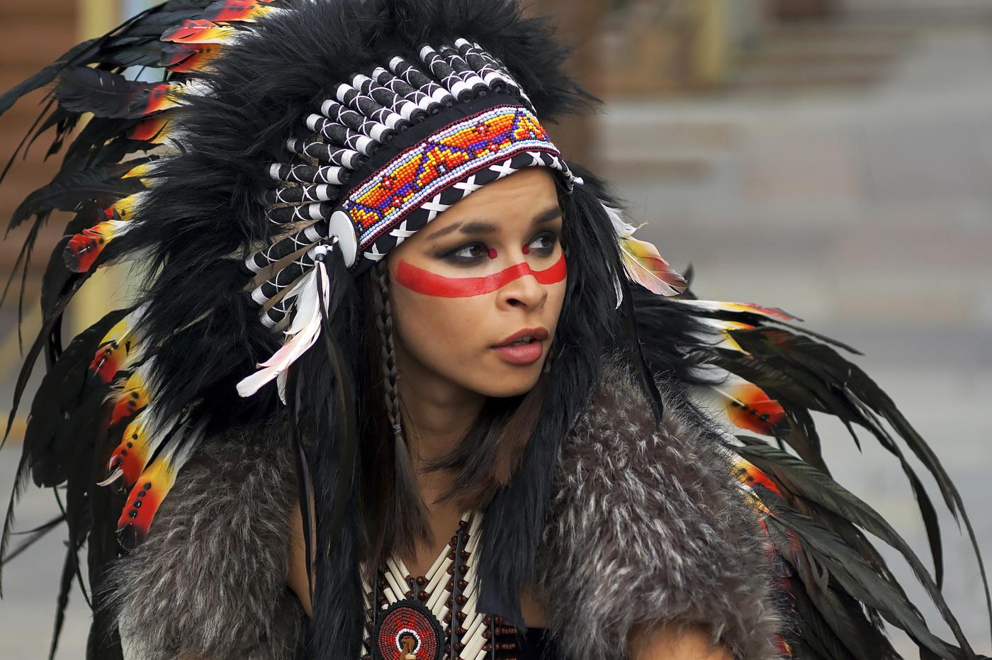 уже картинки индейцев апачи надо